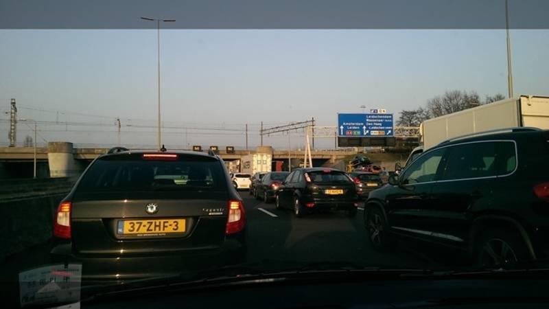 Flinke vertraging op A4 richting Amsterdam na ongelukken.
