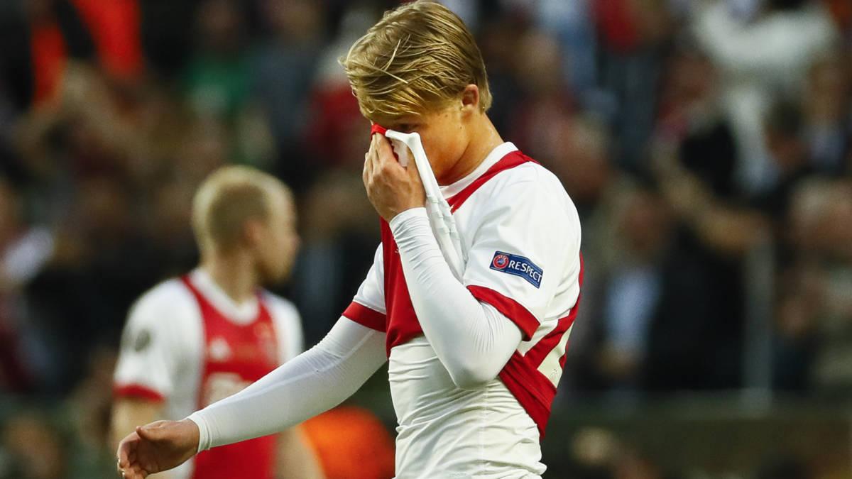 Jeugdig Ajax verdrinkt tegen routiniers van United