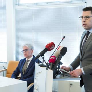 Bekijk details van Locoburgemeester Emmen dook drie weken onder na doodsbedreiging