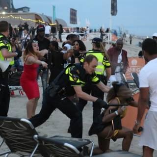 Strandseizoen is geopend, dus begint de onrust op partystrand Bloemendaal