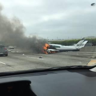 Cessna stort neer op snelweg VS
