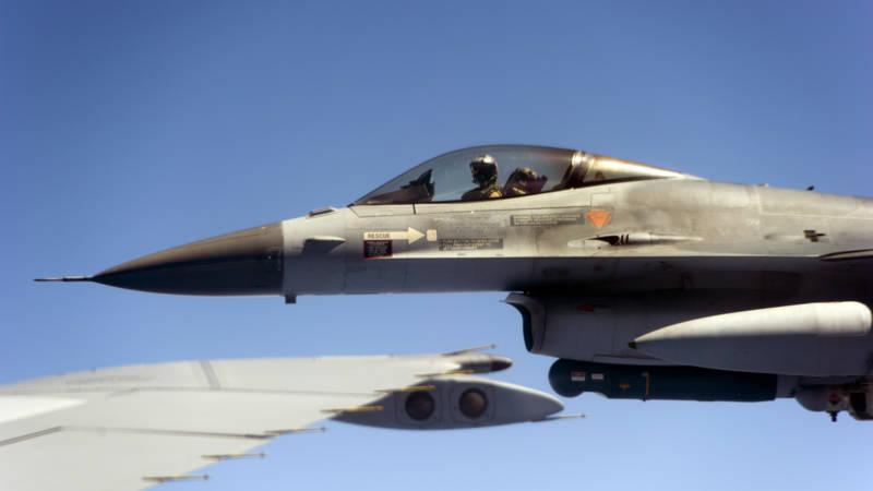 F-16's in Zeeland door geluidsbarrière na fout piloot ...