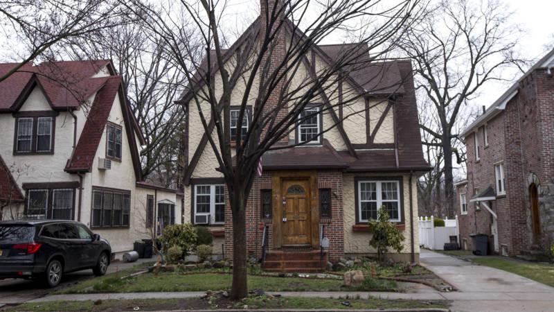 Landelijk Huis Nyc : Nachtje slapen in trumps oude huis het staat nu te huur nos