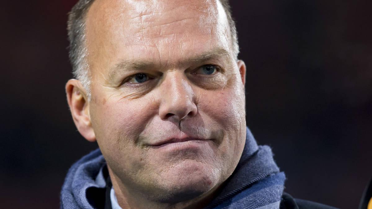 Van Stee staat open voor Sparta, Van Gaal praat over 'domme besluiten'