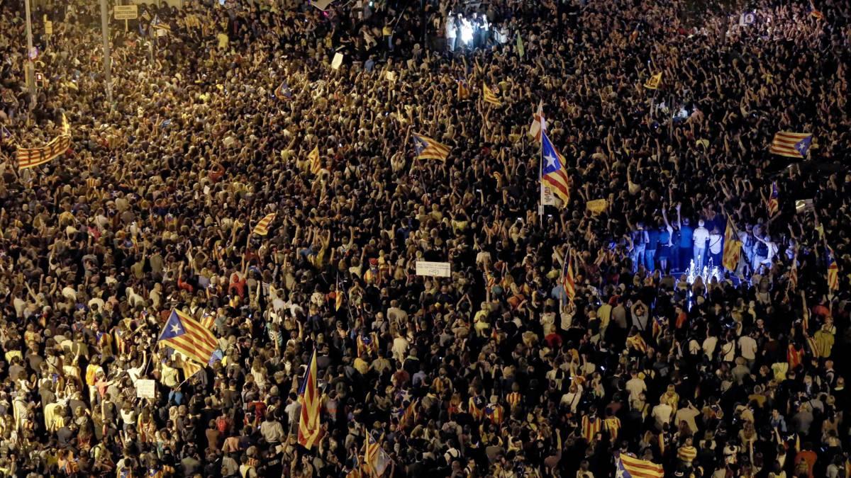 Kinderen en ouderen op de been in Barcelona voor onafhankelijkheid