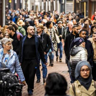Bekijk details van 'Economie gaat van jetje, maar de uitbundigheid gaat eruit'