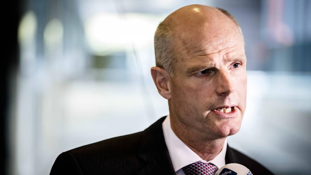 Minister Blok door het stof: 'Ik ben te ver gegaan, en dat betreur ik'