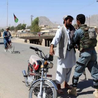 Tientallen doden bij aanslag Taliban op legerbasis Kandahar