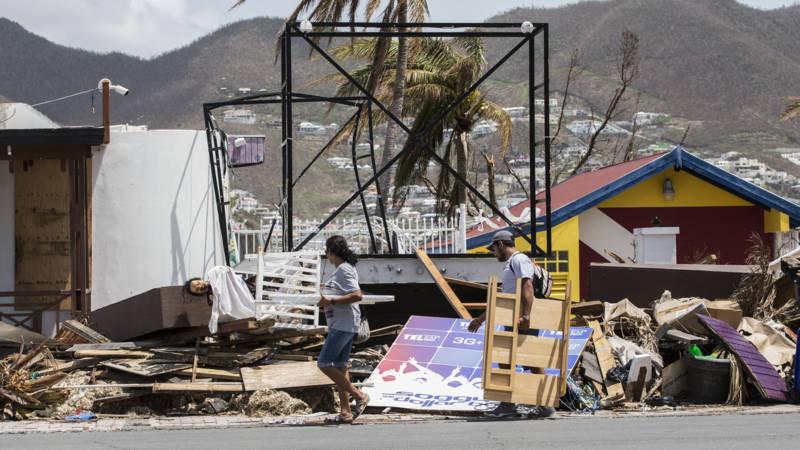 Politiek spel om hulpgeld Sint-Maarten, inwoners moeten wachten