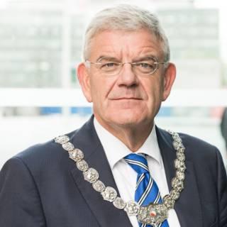Bekijk details van Bedreiger Utrechtse burgemeester veroordeeld