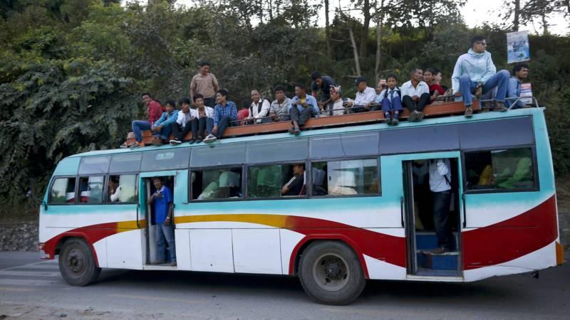Veel doden bij nachtelijk busongeluk in Nepal.