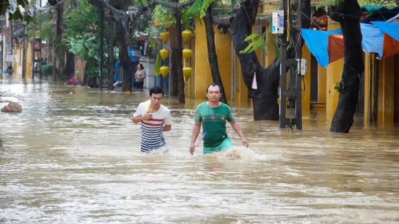 Afbeeldingsresultaat voor orkaan in vietnam