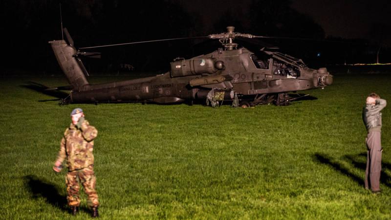 Apache na ongeluk bij Culemborg onderweg naar thuisbasis.