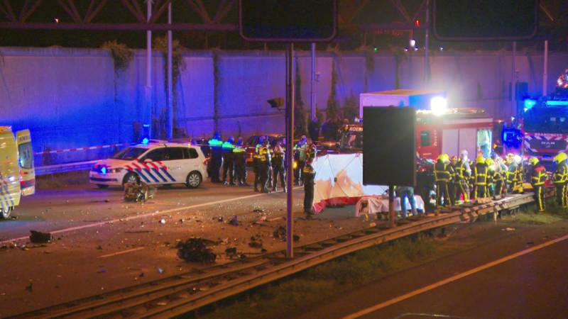 Doden door ongeluk met spookrijder bij de Roertunnel.