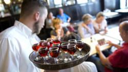 Zorgen over ongelukken na alcoholgebruik ouderen.