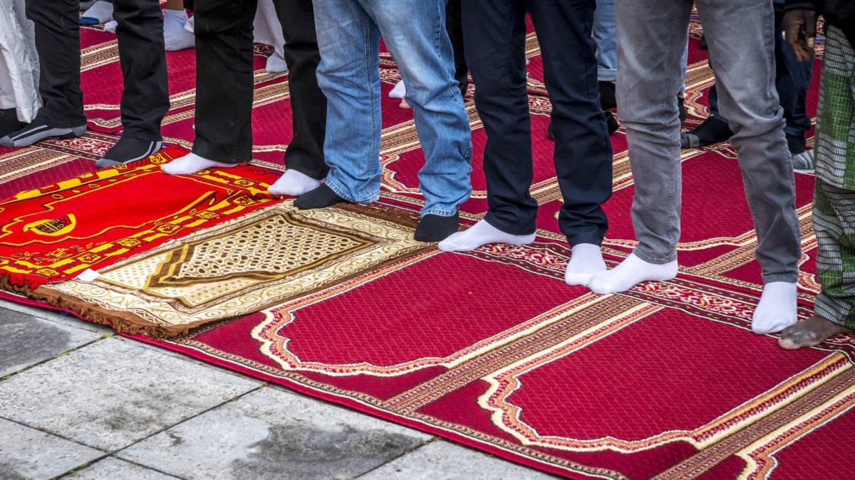 Regeringspartijen willen nieuw onderzoek naar geldstromen moskeeën