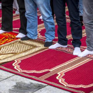 Ook islamitische gebedsbijeenkomsten binnenkort op de Belgische tv
