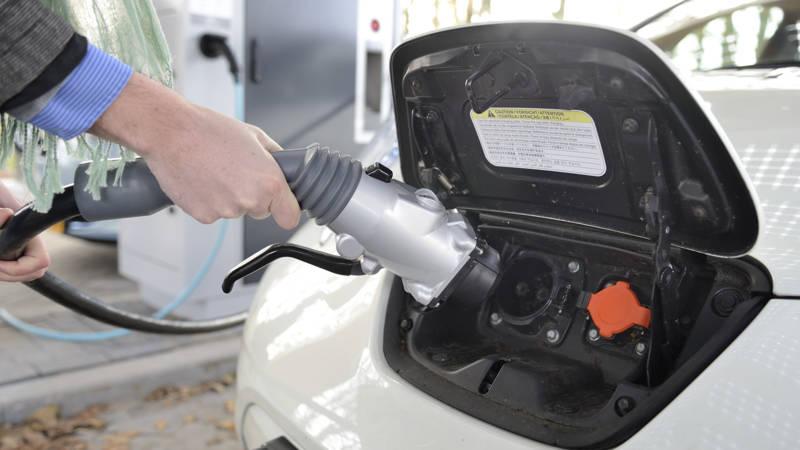 Wat Gaat Dat Straks Kosten Gesubsidieerd Elektrisch Rijden Nos