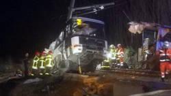 Vier kinderen omgekomen bij botsing trein en schoolbus in Zuid-Frankrijk.