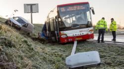 Ongevallen door grootschalige gladheid op de weg.