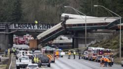 Brandweer: drie doden bij treinongeluk Washington.