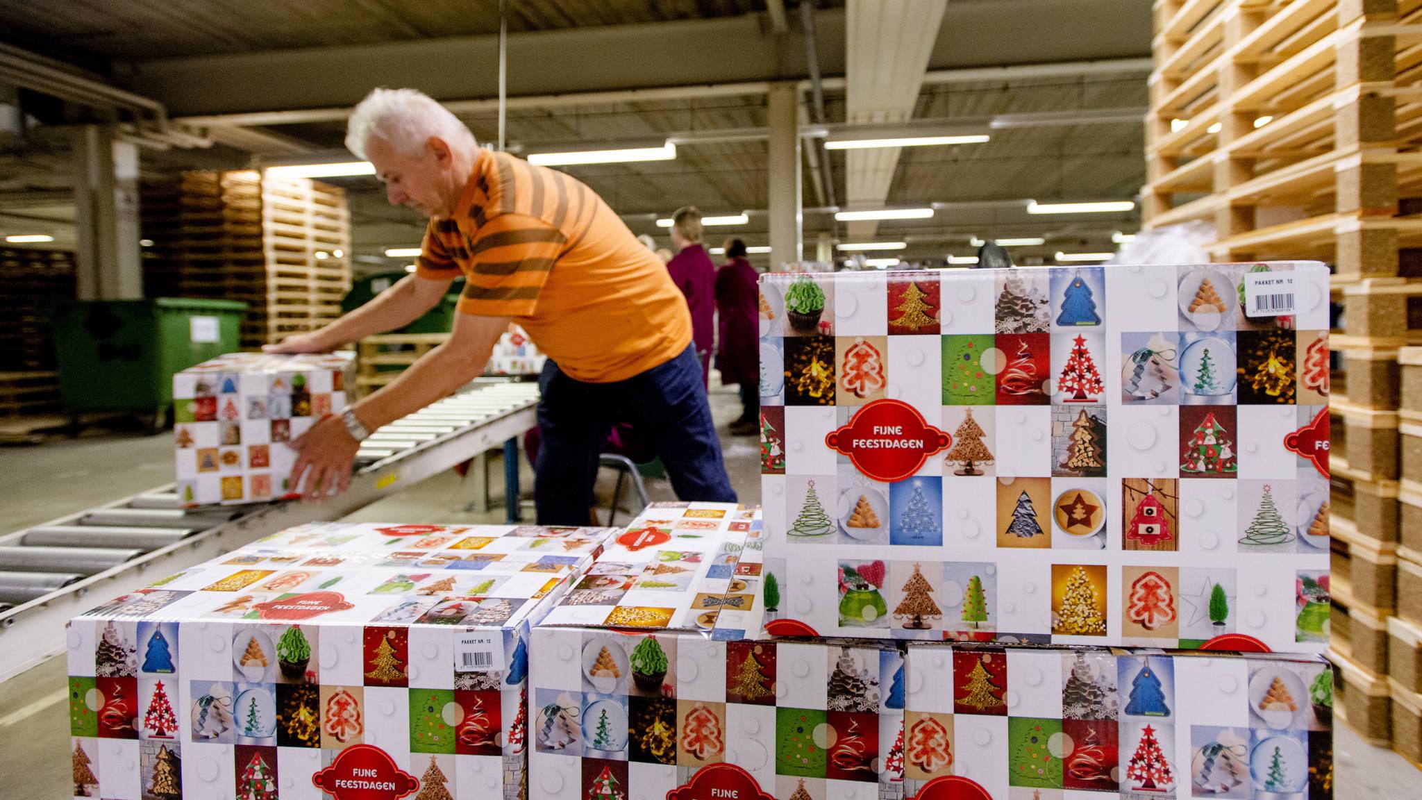 Kerstpakketten Groter En Duurder Maar Branche Vreest De Cadeaubon Nos