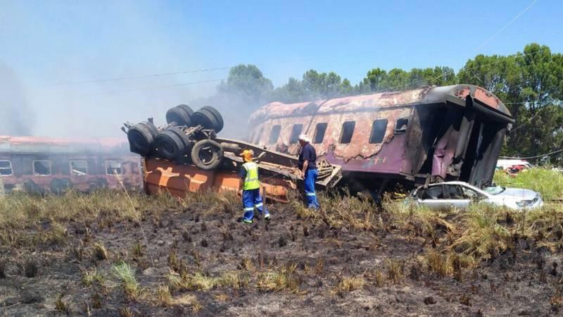 Honderd gewonden bij treinongeluk Zuid-Afrika.