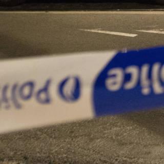 Auto rijdt tankstation België binnen, Nederlander omgekomen