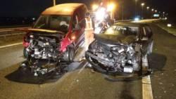 Waarschuwing voor gladheid; ongeluk met 10 autos op A73.