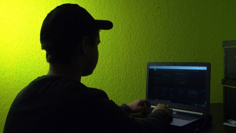 Originele straf voor jonge hackers