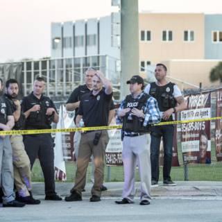 Bekijk details van Gewapende bewaker ging school niet in tijdens bloedbad Florida