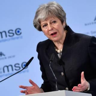 'May heeft met veiligheid troefkaart in handen bij brexitgesprekken'