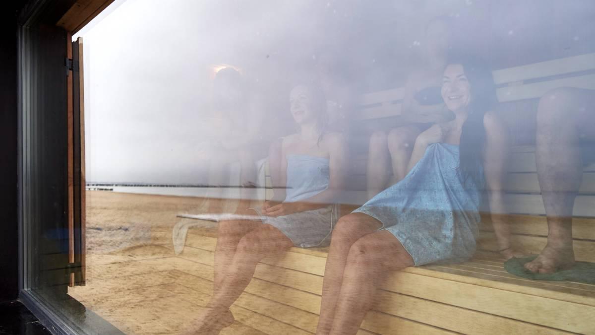 Opnieuw Naaktbeelden Uit Sauna Op Pornowebsite Nos