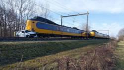 Ongeluk met drie autos op N34 tussen Annen en Zuidlaren.