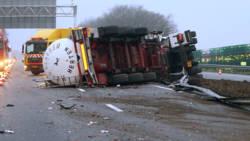 A67 weer helemaal vrij in beide richtingen na ongeluk met tankwagen.