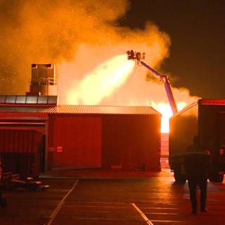 Grote brand bij houtbedrijf in Winschoten
