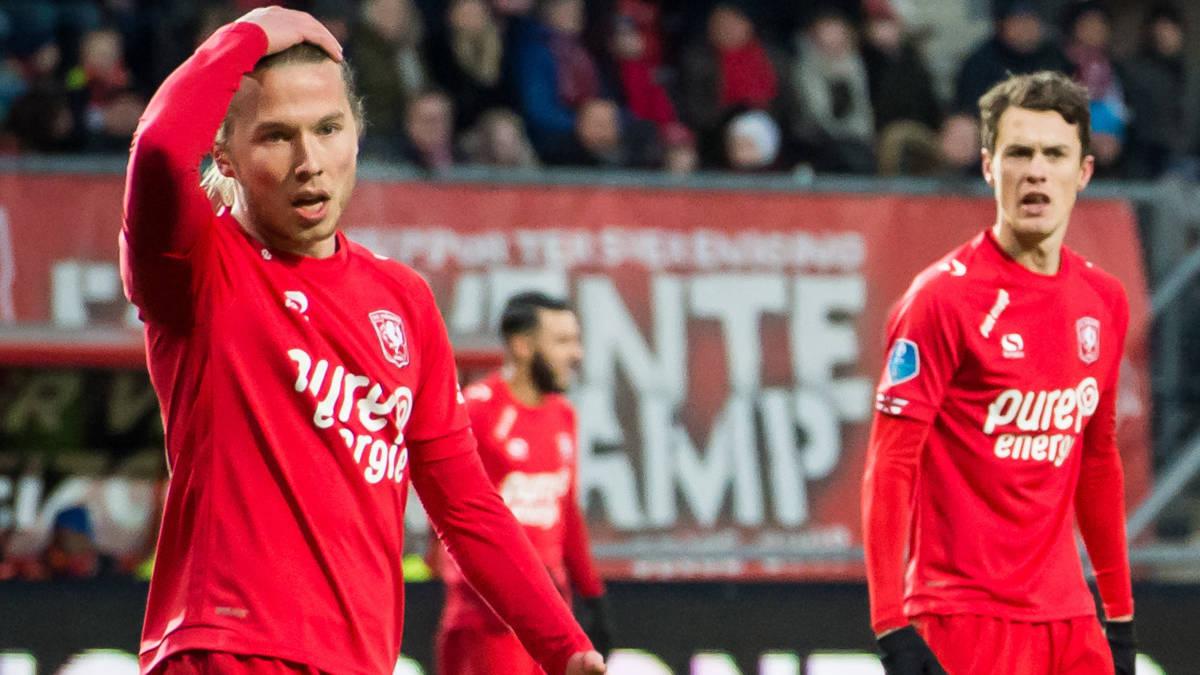 FC Twente en Willem II delen punten in degradatieduel