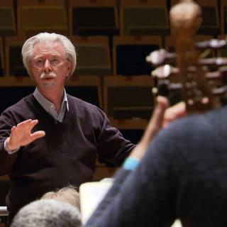 Einde van een tijdperk: dirigent stopt bij Nederlandse Bach Vereniging