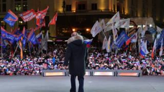 Russische kiezer stemt opnieuw voor zes jaar Poetin: 'Rusland, Rusland!'