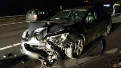 Het staat helemaal vast op de A1 na meerdere ongelukken, bestuurder ernstig gewond.