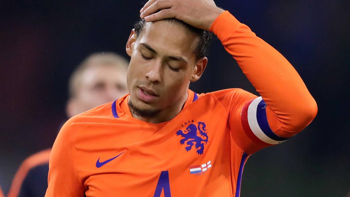 Flets Oranje verliest bij debuut Koeman