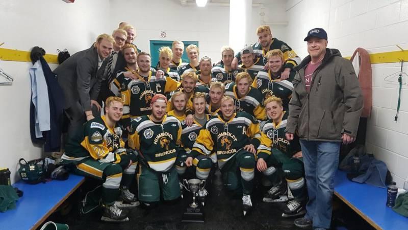 Veertien doden door busongeluk jeugdijshockeyteam Canada.