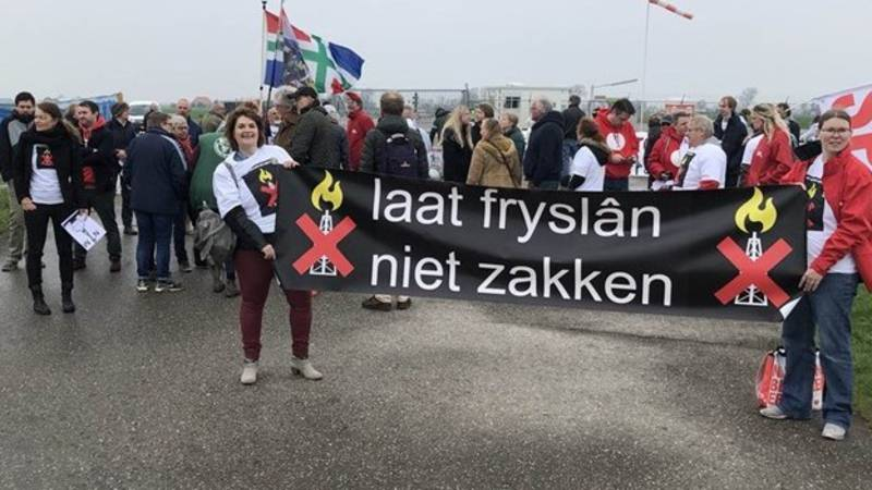 Pieterzijl protest against fracking, photo by RTV Noord | Marco Grimmon