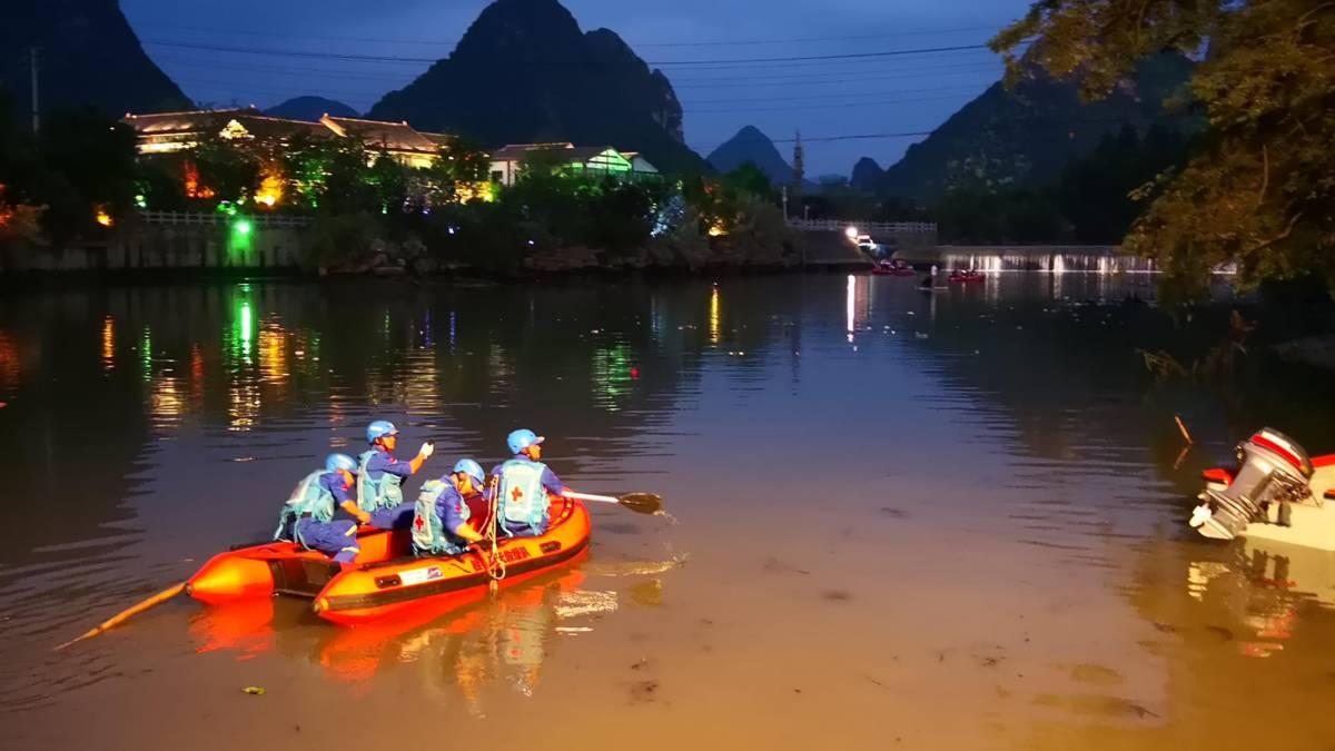 17 doden bij aanvaring tussen twee drakenboten China