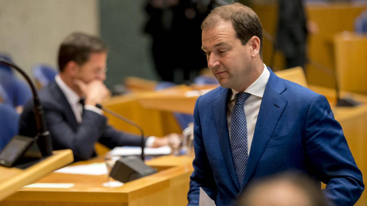 Rutte wacht zwaar debat, 'hij moet met ongelooflijk goed verhaal komen'