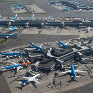 'Vliegtaks helpt niet tegen CO2-uitstoot'