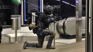 Antiterreureenheid oefent aanslag op Koningsdag in metro Rotterdam