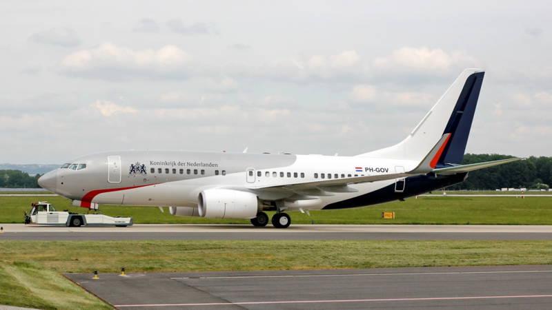 Nieuw regeringsvliegtuig is in Nederland, interieur wordt verbouwd | NOS