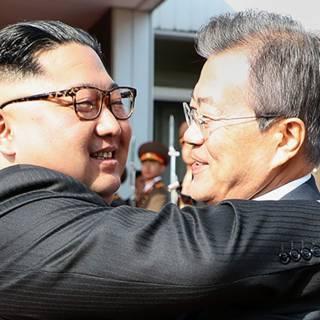 Verrassingsoverleg Kim en Moon om top met VS te redden