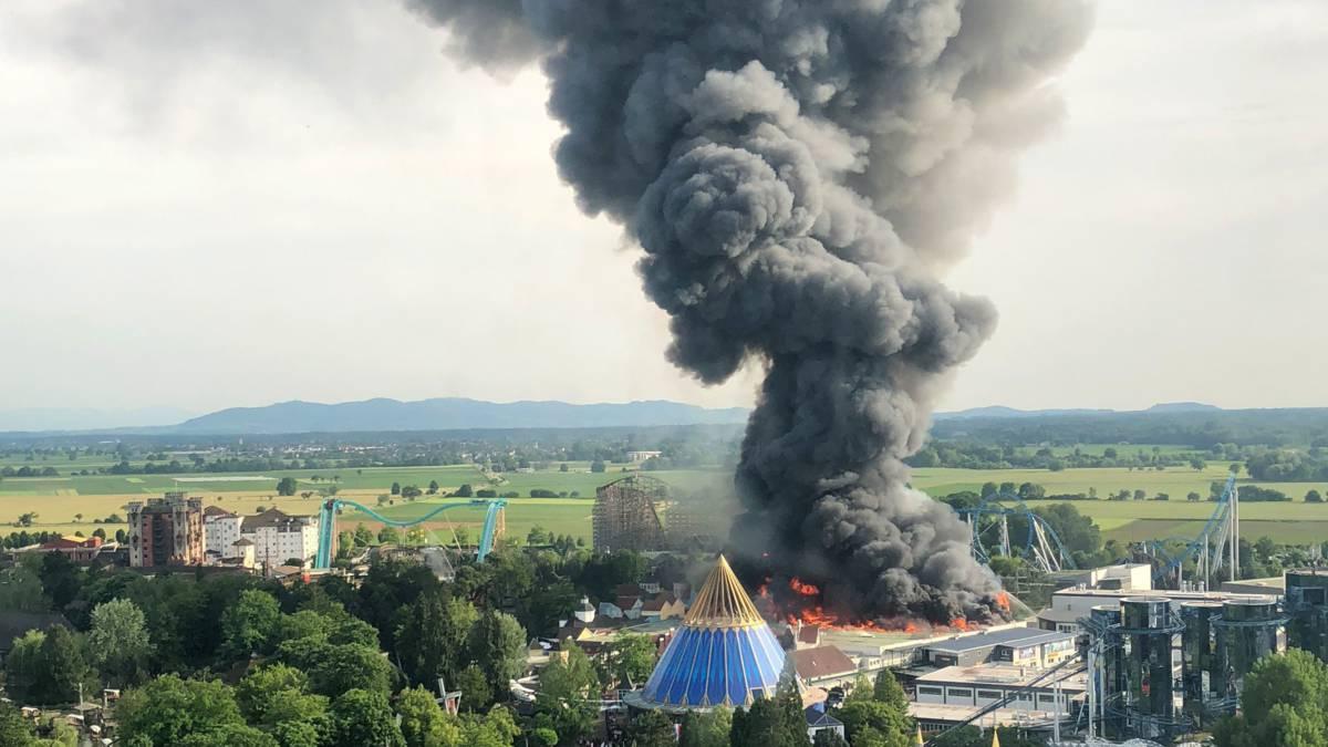 Grootste attractiepark van Duitsland ontruimd na brand